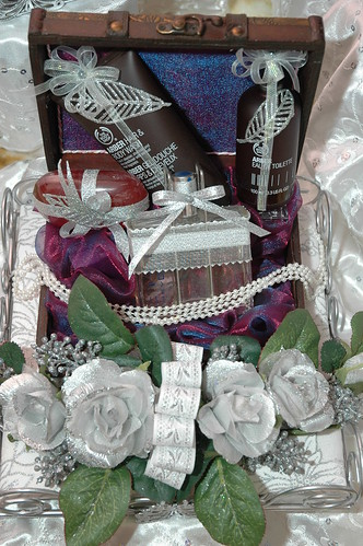 والذوق تغليف الاشياء للعروسات 3594173329_6d833e38d