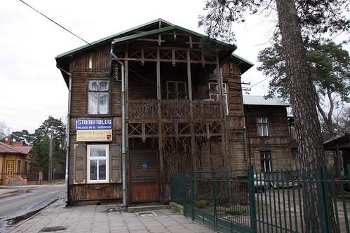 Narożny dom Oszera Perechodnika (Kościelna 18) od strony stacji PKP