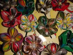 kanzashi xadrez (dedo di moa) Tags: origami flor veludo oncinha kanzashi