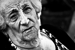 Grandma (The Looks) (Jose Lun) Tags: old grandma portrait woman white black face grandmother