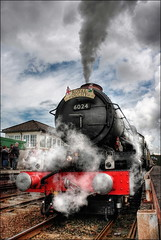 King Edward I (Beccy Melling) Tags: red green station clouds train canon fence lens eos flickr cornwall king 1st box smoke platform may tracks engine royal railway ground competition class steam line edward level winner locomotive kit 1855mm signal princecharles challenge hdr par 6000 steamtrain 2010 cornish duchy sleepers gwr photomatix 6024 kingedwardi challengeyou 450d challengeyouwinner flickrchallengewinner beccymelling royalduchy 1stmay2010