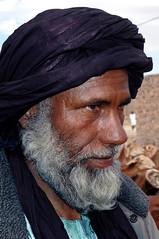 Algerie Tamanrasset march aux bestiaux portrait (yemad) Tags: voyage trip portrait sahara niger sable voiture mali reg algrie visage bamako mopti afrique dsert erg gao aventure niamey descente sgou travers yemad agads