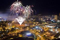 Fireworks Sinulog 2008 (zyans) Tags: fireworks cebu postprocess stonio pyroworks sinulog2009 zyans expirementshots