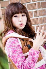 (swanky) Tags: portrait people woman cute girl beauty canon asian eos model asia pretty taiwan babe ntu taipei   2008 taiwanese 30d   nationaltaiwanuniversity   difocus   angel198817     hongshih