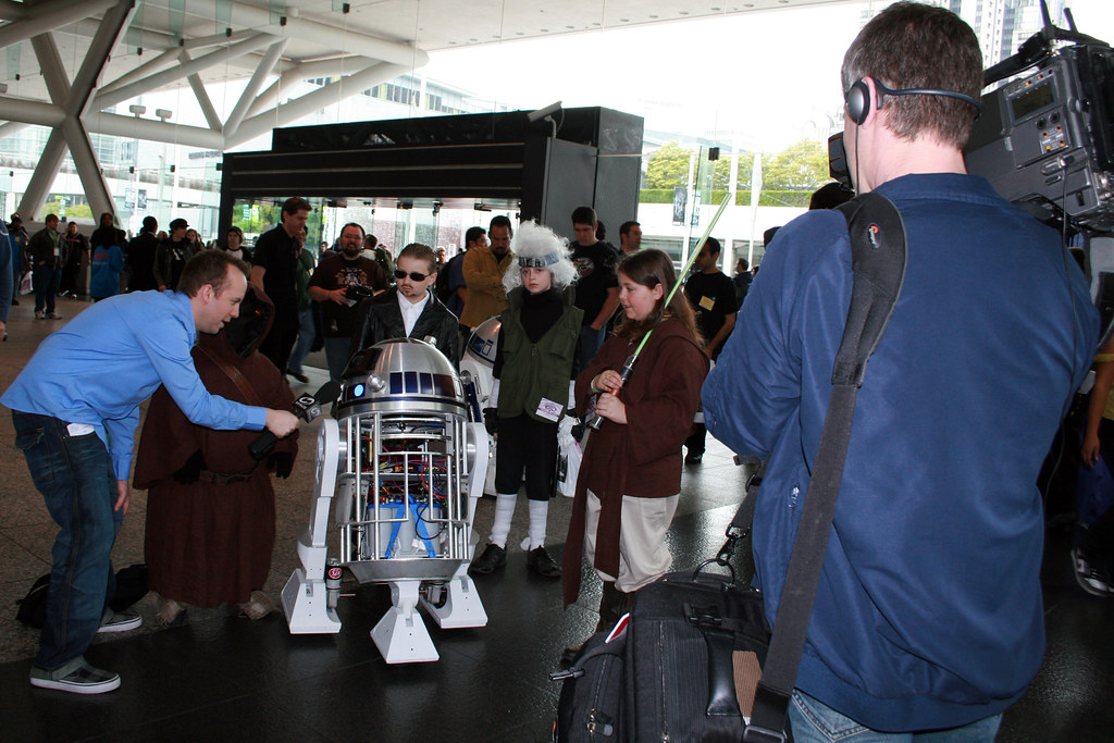 R2-XS Getting Interviewd TV