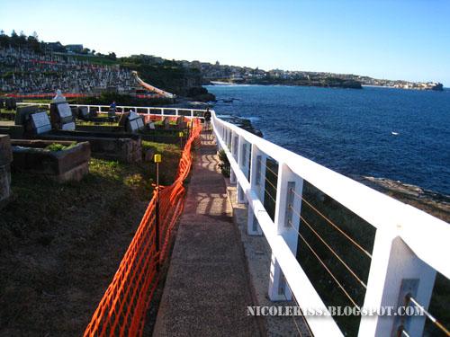 small sidewalk on bondi beach walk