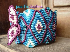 Macrame de Tijamuchi // Cierre (pacificdaphne) Tags: handmade bolivia bracelet macrame pulsera makrame artesania tejido hiloencerado macraméμακραμέ