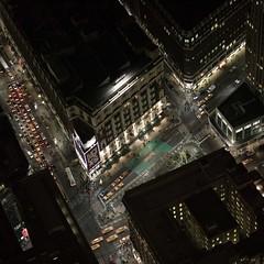 Macys  Night (Julio Lpez Saguar) Tags: usa ny newyork night noche manhattan aerial taxis julio lopez aereo nuevayork estados unidos macys saguar juliolpezsaguar
