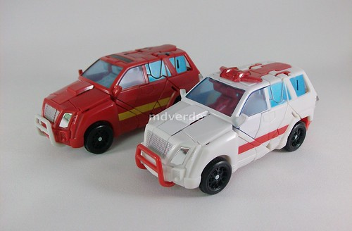 Transformers Ratchet Classic Henkei vs Ironhide - modo alterno