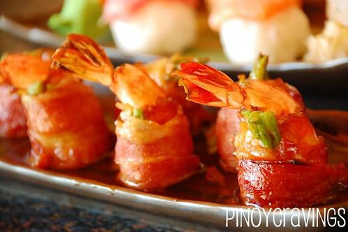 shrimp maki with bacon