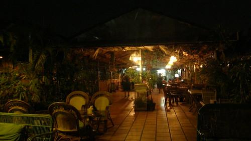 84.Boeng Kak Lake旁水上餐廳夜景 (1)