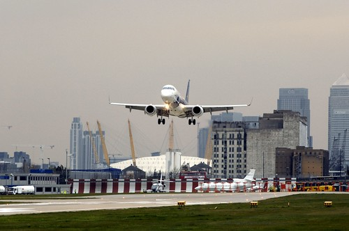Embraer 190 Steep Approach Tests at London City Airport