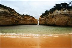 Loch ard gorge (Claus Borum) Tags: beach tom bay coast sand rocks eva australia cliffs shipwreck shore gorge sailor greatoceanroad twelveapostles pearce carmichael lochard 1878