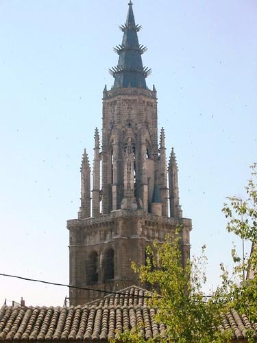 Torre de la Catedral desde la Plaza del Padre Juan de Mariana (Toledo)