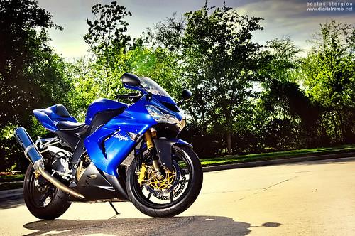 Kawasaki ZX10R - new bike woot!!