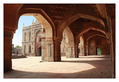 Inside Lodhi Tomb