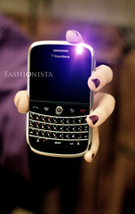 Purple. (Fashionista' [QTR]) Tags: purple led light application blackberry berrybuzz smartphone bbb bb bbbold manicure burblep tshirt wood bed hand fingers girl black new wow 3jeeb cool sleep over adoodi p canon 400d 50mm fashionista 3 33
