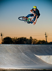 dan-6596 (Anthony Armstrong) Tags: sunset dan bike nikon bmx skatepark anthony soo armstrong vivitar saultstemarie d300 sb800 pandzic vivitar285hv nikon85mmf18d danpandzic pocketwizardplusii