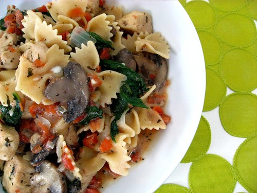 Farfalle with Chicken, Mushrooms, Spinach and Ricotta ...
