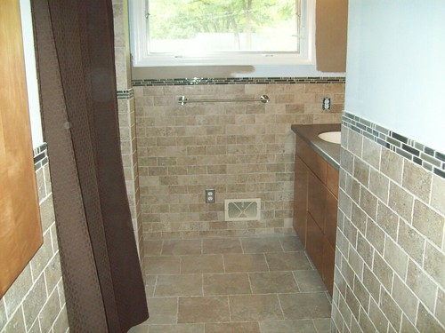 How Big Is Your Bathroom Googled Bathroom Half Wall Tile