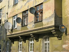 Satellite Dishes in Kazimierz -- Krakow, Poland (From Here To Uncertainty) Tags: dish satellite poland krakow satellitedish kazimierz jewishquarter lpdamaged