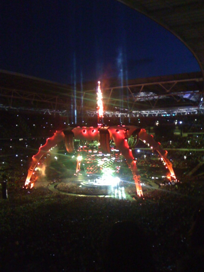 U2360 Wembley August 14, 2009 (via twitpic: Andreidore)