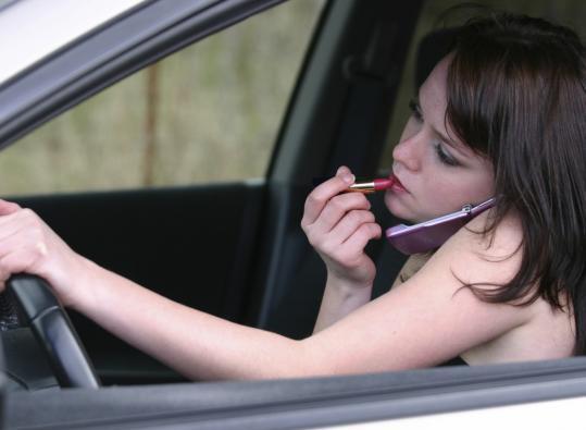 É oficial: mulheres estacionam pior do que os homens