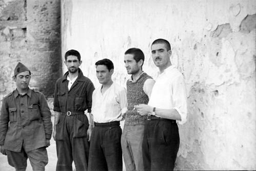 Soldados y guardias civiles evadidos del Alcázar. Fondo del Estudio Fotográfico Alfonso. Archivo General de la Administración. Ministerio de Cultura