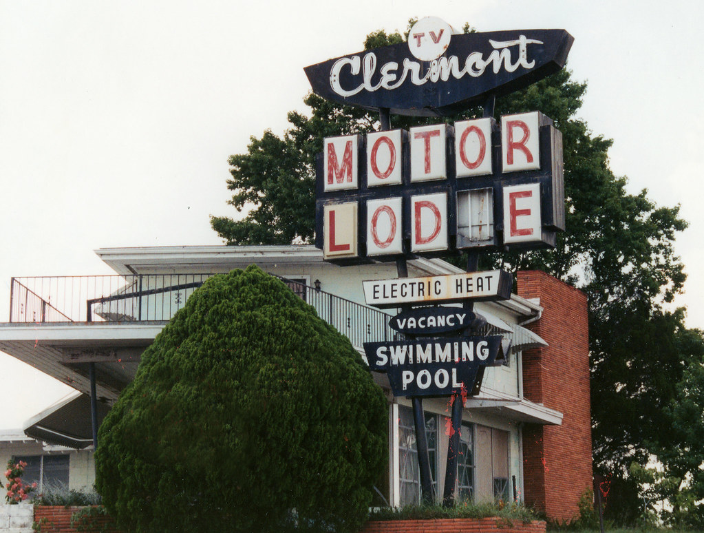 Clermont Motor Lodge - 2003