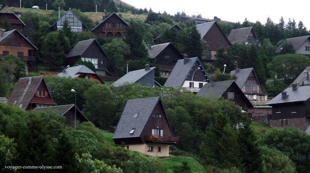 Village de Super Besse, avec ses toits pointus