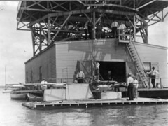Loading Langley Flyer Superstructure onto Houseboat