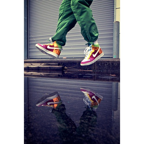 It's friiii dayyyyy (shetha) reflection self canon puddle eos jump xpro aperture shoes industrial vignette atwork 40d nikeshouldbepayingmeforthese