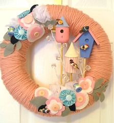 tweet yarn wreath (KnockKnocking) Tags: pink pastel birdhouse felt yarn wreath button ribbon chic spool shabby