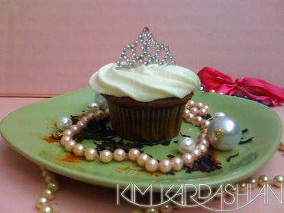 Kim Kardashian tiara cupcake