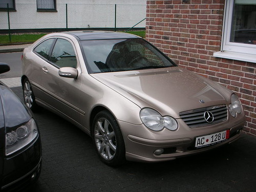 Mercedes Benz C230 Kompressor Sport Coupé - Side