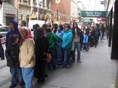 crowds - 2 (PimpleBlockerBattle) Tags: michelle drew battle alyson clearasil geo stoner blocker trachtenberg pimple lachey pbb