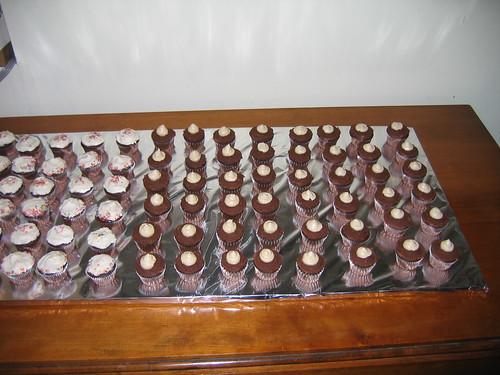 more mini cupcakes!