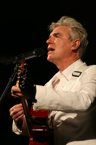 David Byrne in concert in Barcelona, 2009. Picture by Flickr user Alterna2 under Creative Commons attribution license