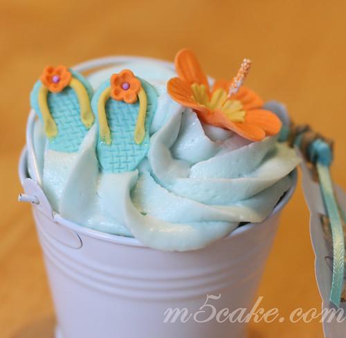 Luau cupcakes - 11