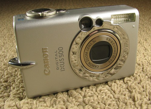 Ixus 500 digital camera