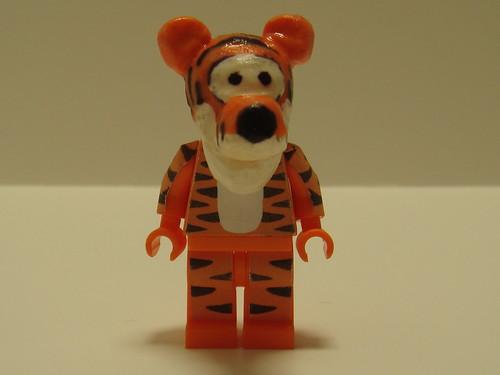 Disney custom Minifig Tigger