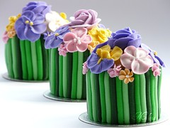 Small Cakes with Royal Icing Flowers (Milena ) Tags: flowers color cake royal icing marzipan milen