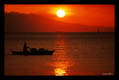 Only hope (maraculio) Tags: sunset hit philippines explore manila switchfoot cgb manilabay roxasboulevard artphotography wowphilippines manilayachtclub onlyhope madeinthephilippines yabangpinoy imago2007 imagoismthursday maraculio happyimagoismthursday ipinas mar182009425