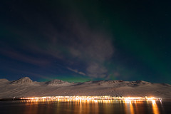 Night in Faskrudsfjordur (*Jonina*) Tags: night iceland village 500views sland auroraborealis ntt wonderfulworld norurljs supershot 25faves fskrsfjrur faskrudsfjordur platinumphoto orp ourplanet theunforgettablepictures concordians betterthangood distinguishedpictures discoveryphotos dragondaggerphoto dragondaggeraward distinguishedlongexposure jnnagurnskarsdttir