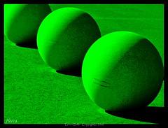 Green Balls - Bolas Verdes  +10.000 vistas/views  Thanks /Gracias  EXPLORER 31 MAR 2009 #101 (Heccastudio / I see