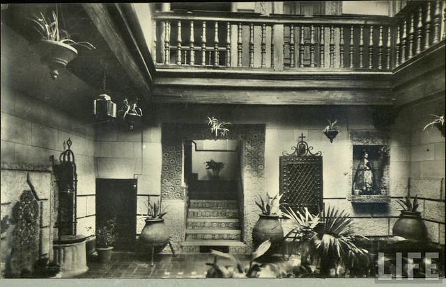 Patio toledano  a principios del siglo XX. Archivo de la revista Life