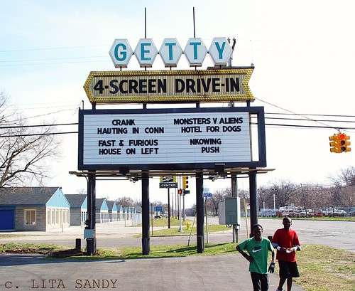 Getty 4 drive in