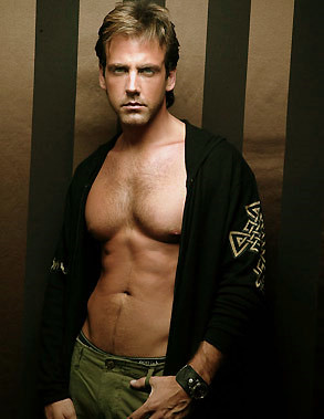 Shirtless Carlos Ponce hot muscle hunk shirtless so sexy for the man magazine