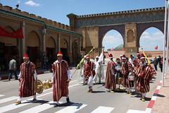 Performers On Parade (MykReeve) Tags: street people musician musicians arch arches morocco entertainer meknes entertainers المملكةالمغربية المغرب geo:lat=33890595 مكناس geo:lon=5563508