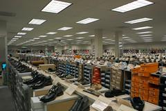 Shoe store (Wanderungen) Tags: street usa streets shop shoe la store losangeles may mens boxes 2009 marinadelrey dsw dp1 sigmadp1